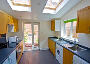Thumbnail 7 bed terraced house to rent in Avenue Road, Southampton