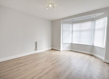 Thumbnail 1 bed flat to rent in Sewardstone Road, Waltham Abbey