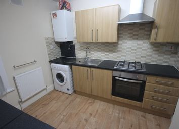 Thumbnail 2 bed flat to rent in Cheshunt Road, Forest Gate, London