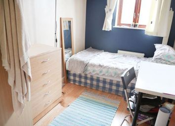 Thumbnail Room to rent in Metropolitan Close, Poplar