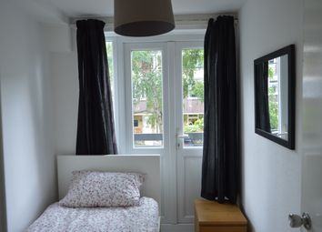 Thumbnail Room to rent in Lawrence Close, Bow, East London