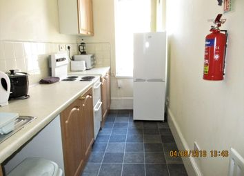 2 bed flat to rent in Victoria Road, Dundee DD1