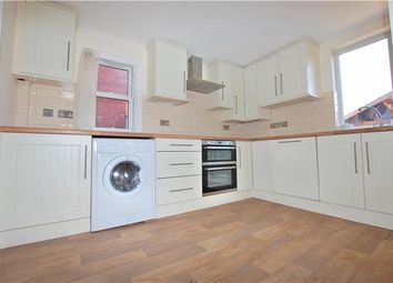 Thumbnail 1 bed flat to rent in Windmill Road, Headington, Oxford