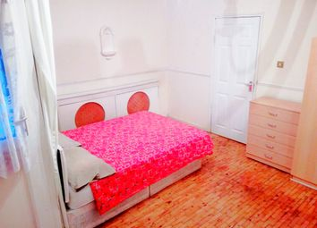 Thumbnail Room to rent in 38 Ruston Street, Bow