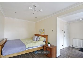 Room to rent in Whitton Avenue East, Greenford UB6