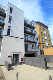 Thumbnail 1 bedroom flat to rent in Pier Wharf, Quayside Drive, Colchester