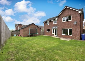 Thumbnail 5 bed detached house for sale in Kingfisher Place, Dunfermline
