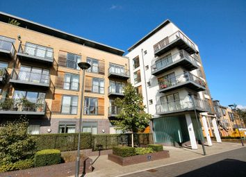 Thumbnail 2 bed flat to rent in Kingsley Walk, Cambridge