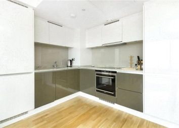 Thumbnail 1 bed flat to rent in The Landmark West Tower, Marsh Wall, Canary Wharf, London
