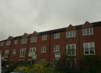 2 bed maisonette to rent in Yew Tree Court, Off Yew Tree Avenue, Carrington NG5
