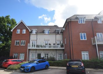 Jubilee Drive, Church Crookham, Fleet GU52. 2 bed flat