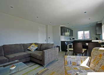 Thumbnail 3 bed flat to rent in Victoria Road, Marlow