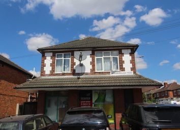 Thumbnail 4 bed flat to rent in Gainsborough Road, Leicester
