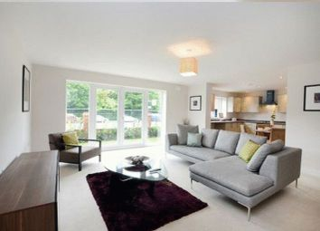 Thumbnail 2 bed flat to rent in Kings Avenue, Greenford