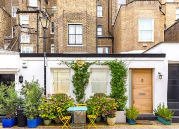 Queen's Gate Mews, South Kensington, London SW7. 2 bed mews house
