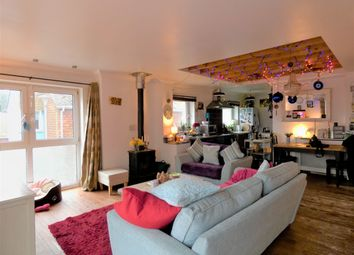 Thumbnail 1 bedroom flat to rent in Swaines Passage, Hastings Old Town