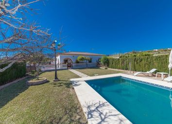 Thumbnail 3 bed villa for sale in Spain, Málaga, Estepona, El Padrón
