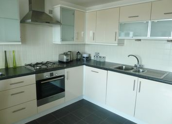 2 bed flat to rent in High Street, Poole BH15