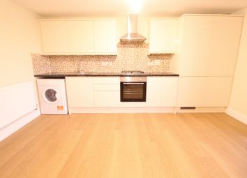 2 bed flat to rent in 305, Charter House, High Road IG1