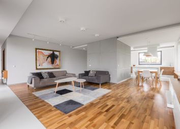 Thumbnail 2 bed flat for sale in Brentwood Apartments, Queen's Rd, Brentwood
