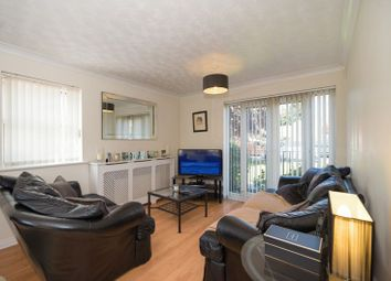 Thumbnail 2 bedroom flat for sale in Ravenoak Way, Chigwell