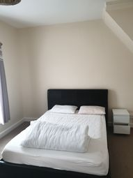 Thumbnail Room to rent in The Mounts, Northampton