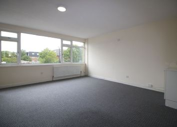 Thumbnail 3 bed town house to rent in Blacksmith Row, Slough