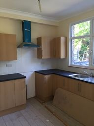 4 bed terraced house to rent in The Avenue, London N17
