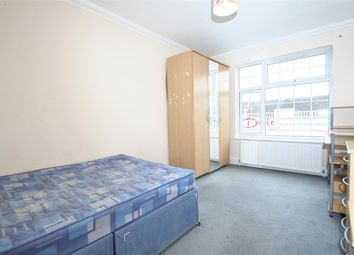 Thumbnail 2 bed flat to rent in Ballards Lane N3, Finchley Central