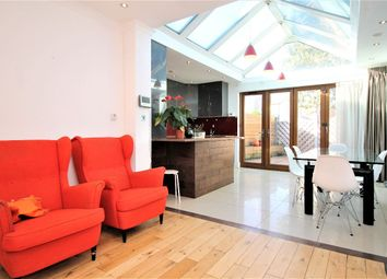 4 bed semi-detached house to rent in Exning Road, London E16