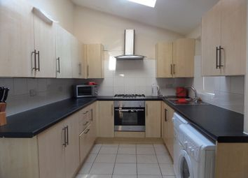 6 bed shared accommodation to rent in Rothesay Avenue, Nottingham NG7