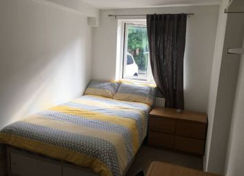 Thumbnail Room to rent in Severnake Close, London