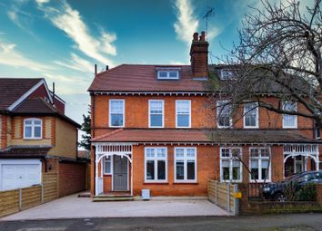 3 bed maisonette to rent in Lower Park Road, Loughton IG10