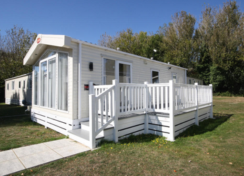 2 bed mobile/park home for sale in Shorefield Country Park, Shorefield Rd, Milford On Sea, Downton, Lymington SO41