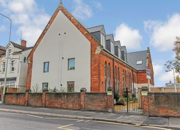 Thumbnail 1 bed flat to rent in Cricklade Road, Gorse Hill, Swindon