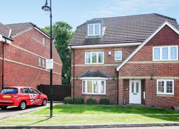 Thumbnail 5 bedroom detached house to rent in Welsfield, Bushey, Hertfordshire