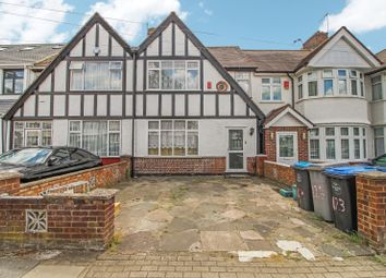 4 bed terraced house to rent in Princes Avenue, Kingsbury, London NW9