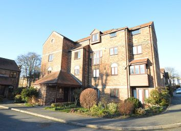 Thumbnail 1 bedroom flat to rent in Albeny Gate, St Albans