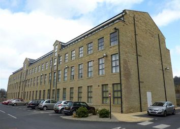 Thumbnail 2 bed flat to rent in Wood Street, Bingley