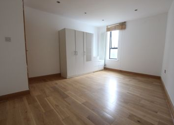 Thumbnail Room to rent in 5 Tavistock Mews, London