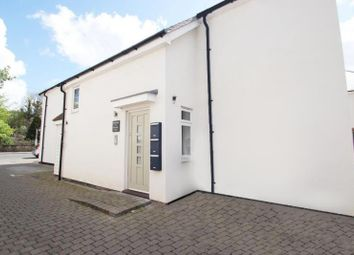1 bed flat to rent in Weyview Court, New Haw KT15