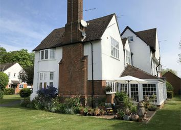 Thumbnail 2 bed flat for sale in Narcot Lane, Chalfont St Peter, Gerrards Cross, Buckinghamshire