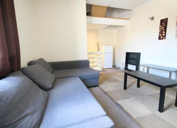 Thumbnail 1 bed flat to rent in Farnley Road, South Norwood, London