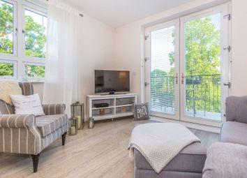 Thumbnail 2 bed flat to rent in Queens Quarter, Binfield
