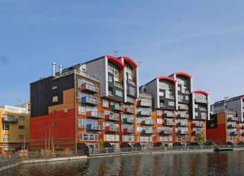 Thumbnail 2 bed flat for sale in Renaissance Walk, Greenwich Millennium Village