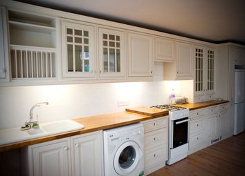 Thumbnail 1 bed flat to rent in Elmsdale Road, Dartford