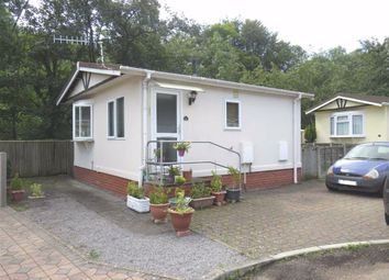 2 bed mobile/park home for sale in Woodlands Residential Park, Quakers Yard, Treharris CF46