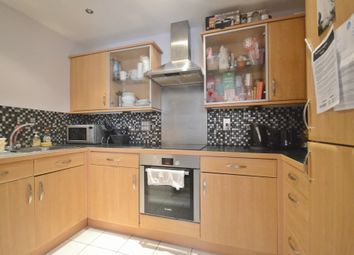Thumbnail 3 bedroom flat to rent in Fobney Street, Reading
