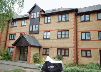 Thumbnail 2 bedroom flat for sale in College Close, Grays