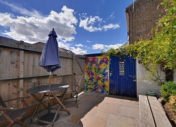 Thumbnail 2 bed flat for sale in Linkfield Road, Isleworth